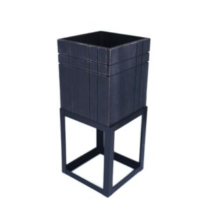 حوض زرع بشكل صندوق خشبي مع قاعدة حديد بتصميم معاصر لون أسود - 15x34سم - 2569