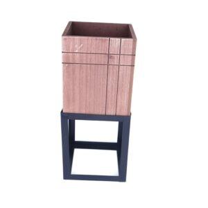 حوض زرع بشكل صندوق خشبي وقاعدة حديد بتصميم معاصر لون أسود وبني - 15x35سم - 2568